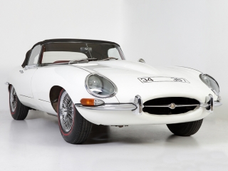 jAGUAR-E-TYPE-1961