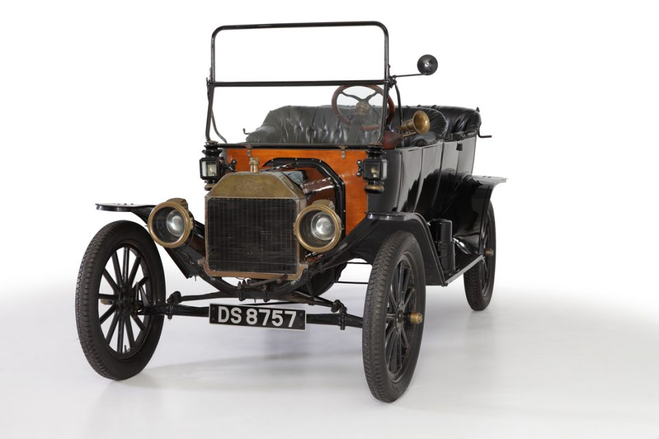 FORD-MODEL-T-1913
