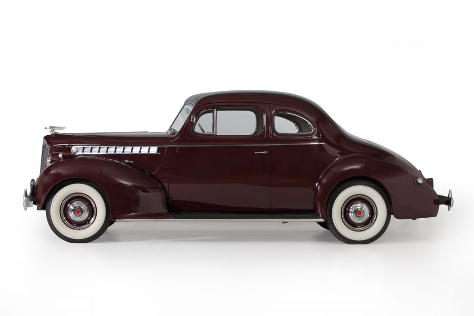 PACKARD 110 CLUB COUPE 1940